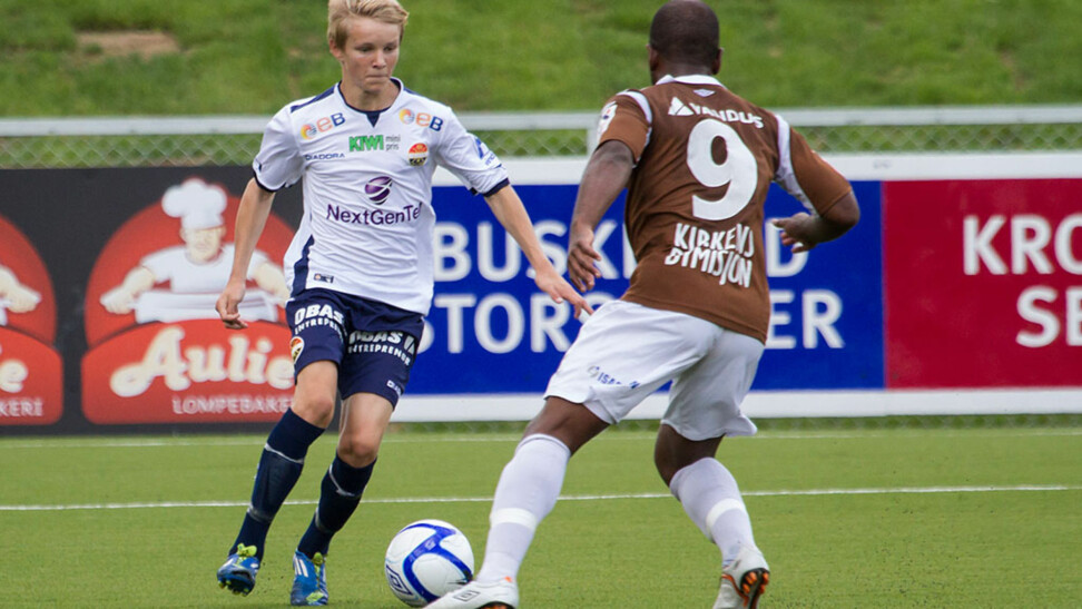 UNG DEBUTANT: Her er Martin Ødegaard (13) i aksjon for Strømsgodset. FOTO: Børre E. Helgerud - godset.no