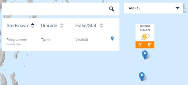 SØK I KART: Klikker du i kartet får du opp en markør i posisjonen du klikket på, og en på det nærmeste stedet i stedsdatabasen. Peker du på markøren får du opp en boks med været for den neste timen, klikker du på den åpner du fullt varsel for posisjonen. Du kan klikke hvor som helst i kartet, også midt ute på havet.