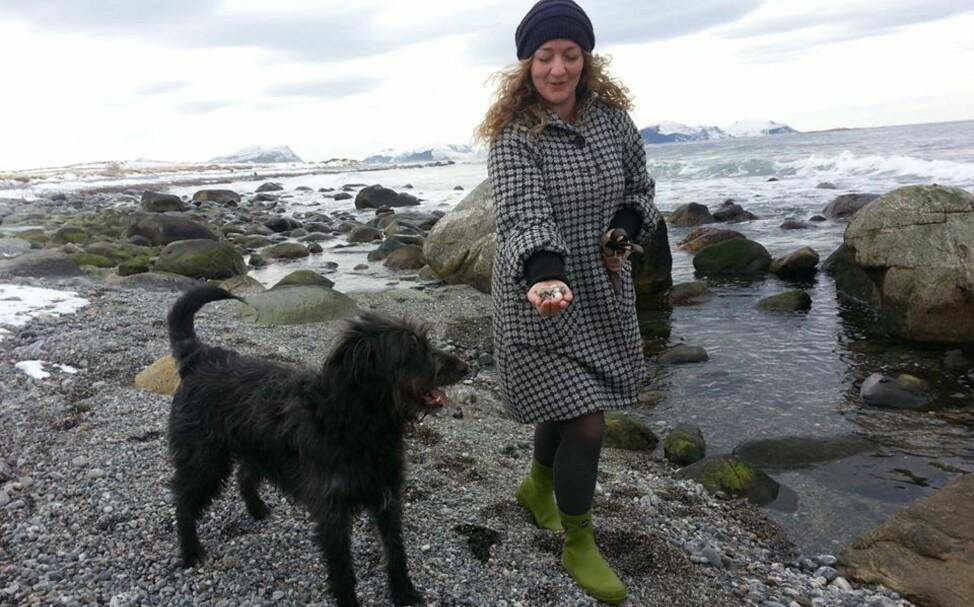 Deprimert åse skjølberg 28 går ofte tur med hunden walter mange