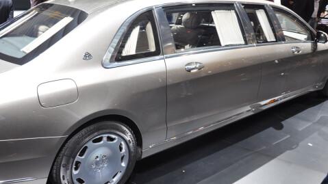 Diktatorer, kjendiser og rikingen har noe å glede seg til: Her er Mercedes-Maybach Pullman.