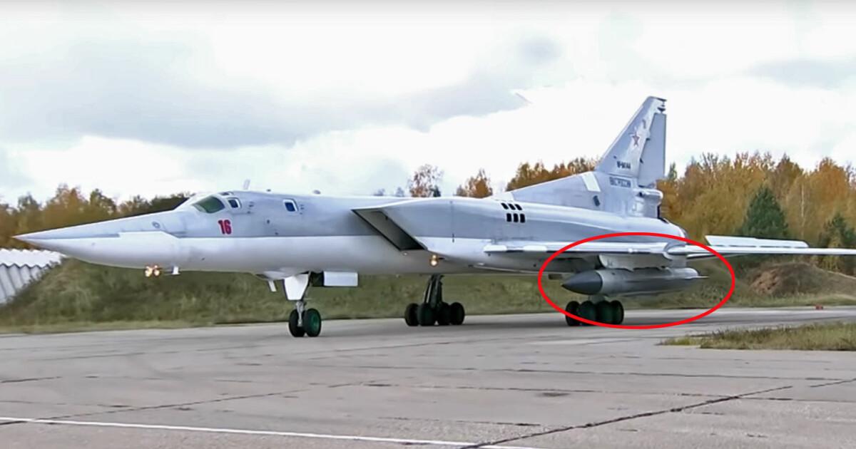 Mens USA sender hangarskip til Norge, beordrer Putin dette spesielle bombeflyet på vingene