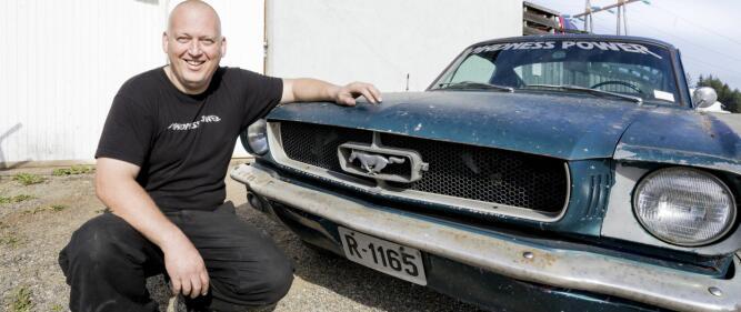 Karl Ness har en forkjærlighet for klassiske Ford Mustang.Foto: Tom Gustavsen