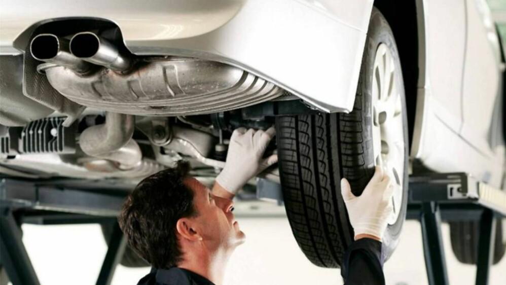 Skal du levere bilen til EU-kontroll, vil det fra 8. juni bli mer omfattende og kostbart enn det har vært til nå. Da trer nemlig en ny, 150-punkts sjekk i kraft.