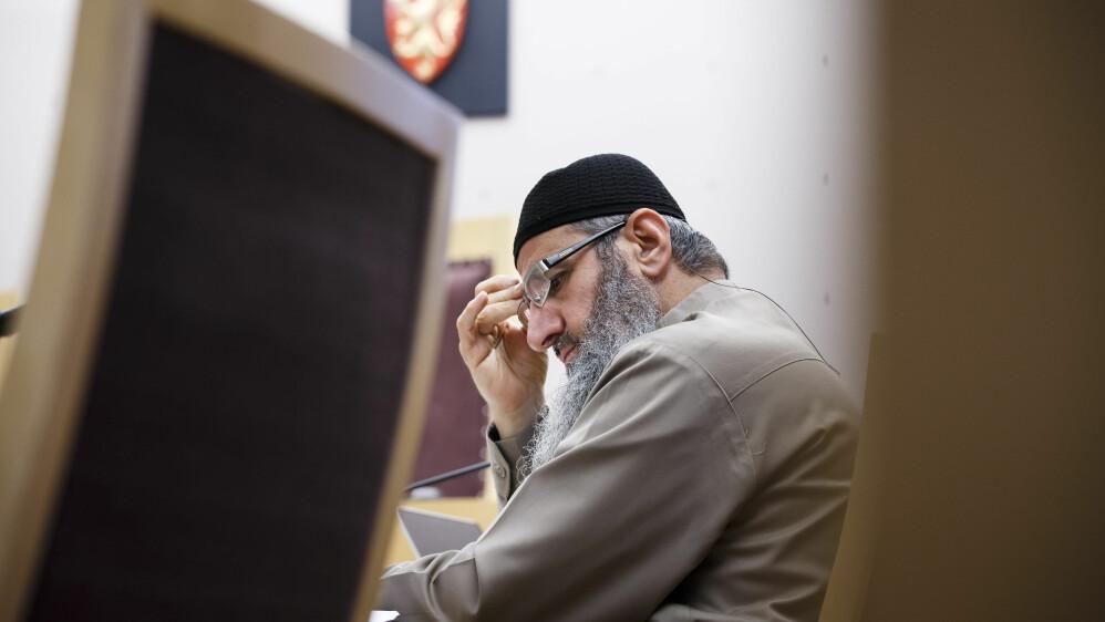 TERRORSIKTET: Her er Mulla Krekar fra den siste rettssaken i Oslo tingrett. Nå er han tiltalt på ny.  Foto: Heiko Junge / NTB scanpix