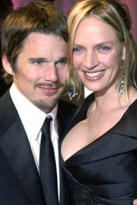 LAGER FILM: Ethan Hawke sammen med kona, Uma Thurman.