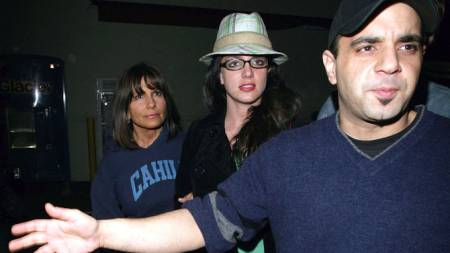 Britney Spears, moren Lynne og Sam Lufti på handletur (Foto: SCANPIX)