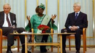 KRITISK: Nobelprisvinner Wangari Maathai har vært blant de fremste   kritikerne av gullgruven i distriktet Geita. (Foto: ERIC FEFERBERG)