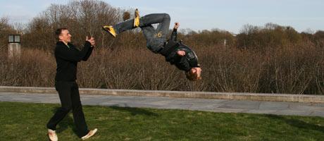 SALTO: Her ser du Andreas berømte salto.  (Foto: K. V. Beylegaard)