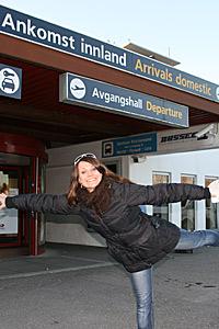 Katrine-Moholt-på flyplassen (Foto: Beate Larsen)