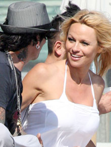 Pamela-Anderson-tommy-lee-jones baywatch