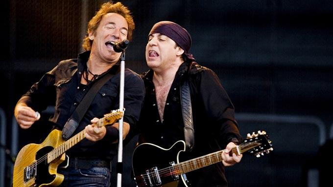 Bruce Springsteen og Little Stevens på Valle Hovin. (Foto: SCANPIX)