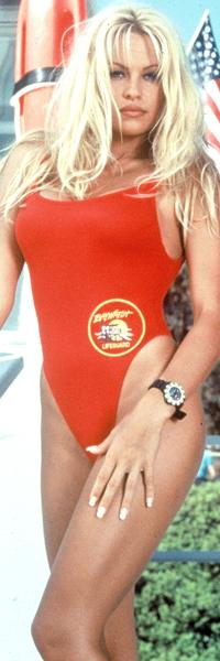 KJENT   BADEDRAKT: Denne badedrakten fra «Baywatch» har Anderson tenkt å selge,   noe du får se i hennes nye realityshow.