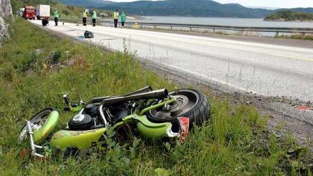 En MC-sjåfør omkom da han kolliderte med et vogntog.  (Foto: Christian Nicolaisen/Avisa Nordland)