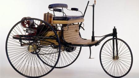 Verdens første bensindrevne bil.
