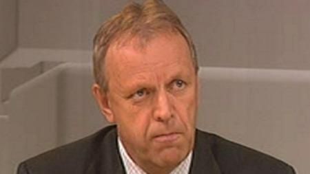 SKEPTISK: Seniorforsker Sverre Melbye mener valget av Sarah   Palin som visepresidentkandidat er et sjansespill. (Foto: TV 2)