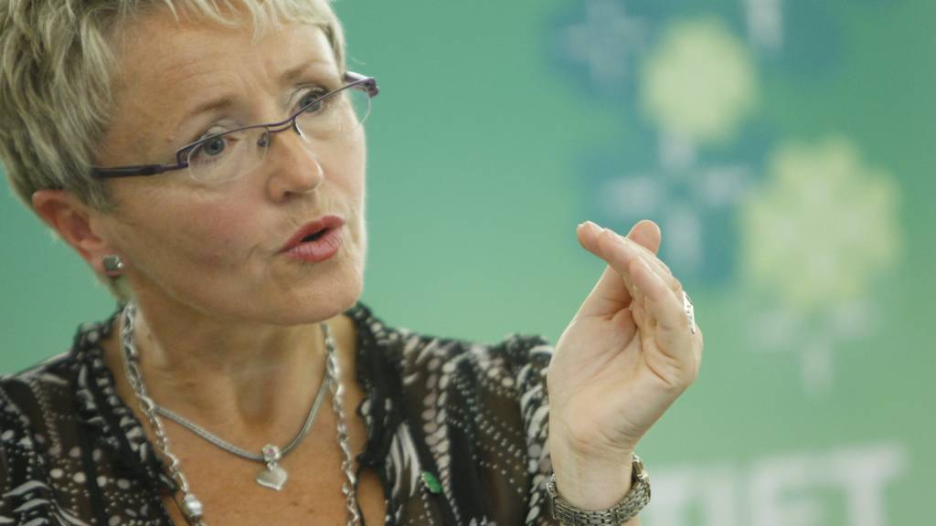 Samferdselsminister og leder i Senterpatiets programkomite Liv Signe Navasete presenterte partiets høringsutkast til prinsipp og handlingsprogram for perioden 2009-2013 i Oslo mandag.  (Foto: Holm,Morten/SCANPIX/)