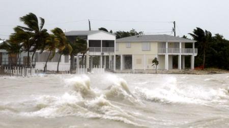 FLOM I FLORIDA: Orkanen Ike har ført til det som blir beskrevet som mindre oversvømmelser på Key West, Florida. (Foto: Carlos Barria, ©REUTERS)