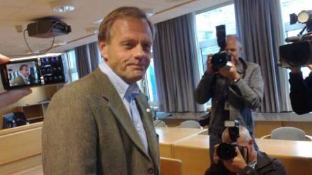 Biskop Ernst Baasland møtte i dag i skifteretten i Stavanger.  (Foto: Trond Solvang/TV 2)