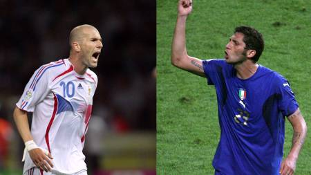 I KLAMMERI: Materazzi provoserte Zidane. Franskmannen svarte med å skalle italieneren i brystet under VM-finalen i 2006.  (Foto: PAVANI-MACDOUGALL/AFP)