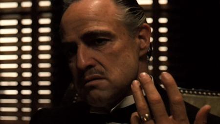 DON CORLEONE: Marlon Brandos klassiske rollefigur   i «Gudfaren» kan nytes natt til lørdag.