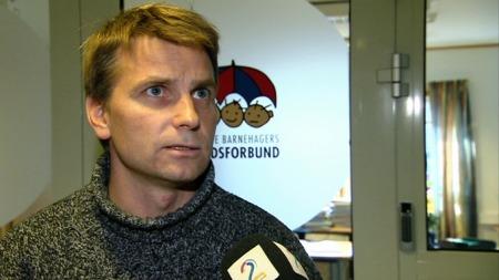 Jørn-Tommy Schjelderup, informasjonssjef i Private Barnehagers Landsforbund frykter flere barnehager vil legge ned i fremtiden.   (Foto: Ole Sommerset/TV 2)