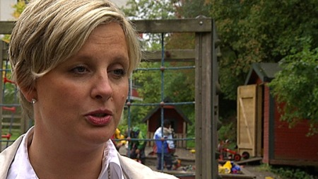 Cathrine Haugen, administrerende direktør i Vappusbarnehagene i Bergen, synes det er trist å legge ned to barnehager. (Foto: Ole Ebbesen/TV 2)