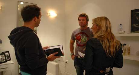 PÅ OPPTAK: Jan Thomas blir intervjuet av «Wascheras» programledere. (Foto: Linn Bjørnsen)