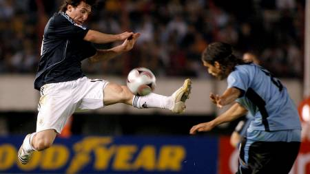 Messi (Foto: SANTIAGO PANDOLFI/REUTERS)