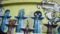 PYNT: Ved Blå i Oslo er det grafittikunst i alle regnbuens farger.   (Foto: Camilla F. Gjendem)