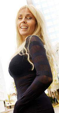 OPERERT: Lillian Müller vurderer å fjerne silikonen i en alder av 56 år