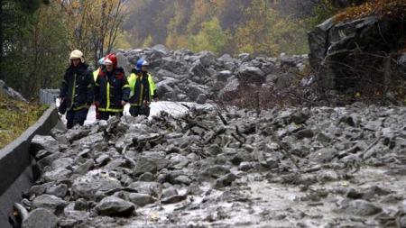 Mye nedbør utløste et steinras mellom Odda og Tyssedal i Hardanger. (Foto: Svein Knutsen / SCANPIX)