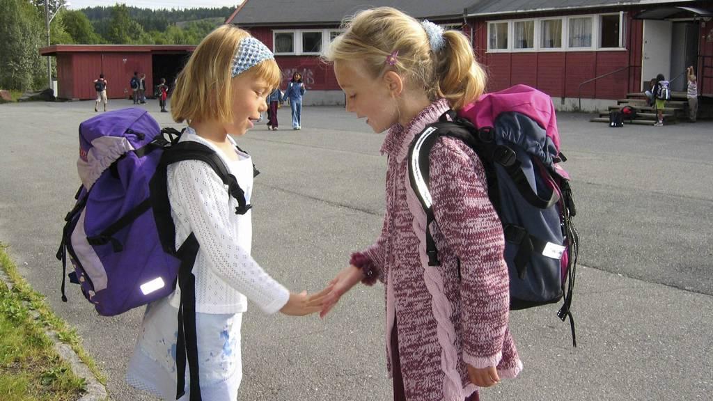 AVVISES: Mange seksåringer har ikke fått plass på sin nærmeste skole. (Illustrasjonsfoto) (Foto: Lier, Gunnar/NTB scanpix)