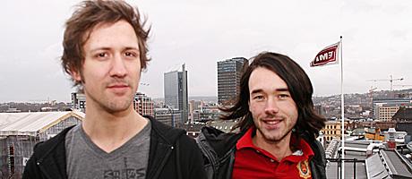 Geirmund Simonsen, til venstre, og Raymond Enoksen har laget all musikken til «Hvaler».  (Foto: K. V. Beylegaard, TV 2 Underholdning)
