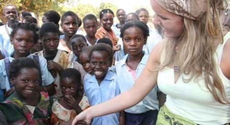 SMIL: Kamilla får nye venner på felttur.