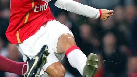 TRENER: Eduardo da Silva er snart klar for å jakte Arsenal-mål   igjen. (Foto: CARL DE SOUZA/AFP)
