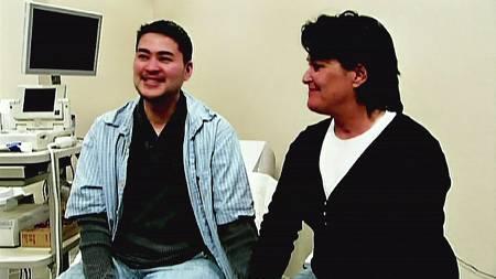 Thomas Beatie og kona Nancy venter sitt andre barn.  (Foto: NC1/WENN)