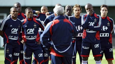 Nasri and Gallas (Foto: FRANCK FIFE/AFP)