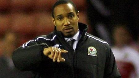 Blackburn Rovers Manager Paul Ince    (Foto: CRAIG BROUGH/AFP)