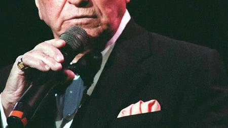 SVIKTET AV FERGUSON: Frank Sinatra  (Foto: ADAM BUTLER/EPA)