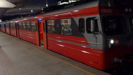 NSB lokal tog på Oslo S (Foto: LarsBarth-Heyerdahl/TV 2)