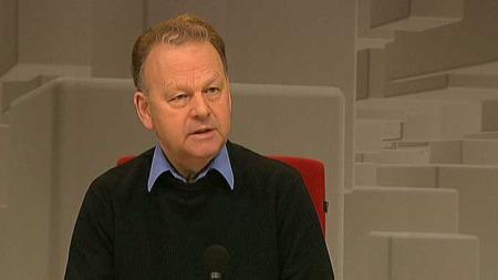 Finn Abrahamsen synes politiet gjorde en utmerket innsats under gårsdagens opptøyer. (Foto: TV 2)