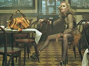 BETALT: Madonna skal ha fått 105 millioner kroner for denne reklamen for Louis Vuitton.