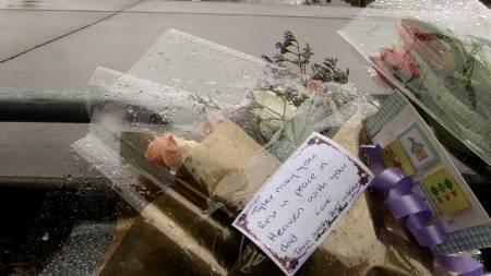 Fordømmer drapet: Familien mener politiet skulle gjort mer for å roe situasjonen før sønnen ble skutt.  (Foto: AFP/SCANPIX/)