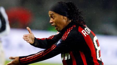 Ronaldinho gestures during the Italian Serie A soccer match   against Juventus at Olympic stadium in Turin, December 14, 2008. (Foto:   STEFANO RELLANDINI/REUTERS)