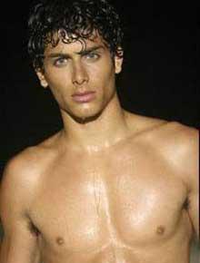 MADONNAS FLIRT: Den brasilianske modellen, Jesus Luz, har kapret   popdronningen. Faren hans bekrefter.