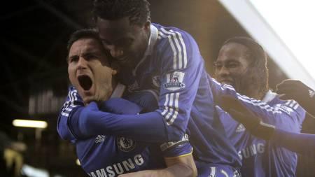 Frank Lampard, John Obi Mikel, Didier Drogba - Chelsea (Foto:   ALASTAIR GRANT/AP)