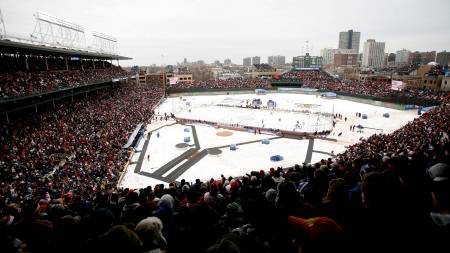Wrigley Field - Winter Classic  Chicago Blackhawks - Detroit Red Wings  (Foto: Dilip Vishwanat/AFP)