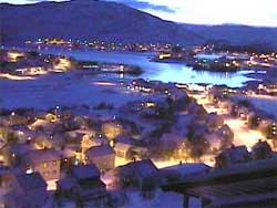 Slik så det ut i Båtsfjord kl 13.44 onsdag. Uværet har gitt   seg for denne gang. (Foto: Båtsfjord kommune)