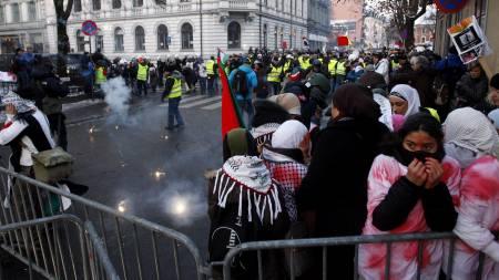 Politiet arresterte rundt 100 mennesker i forbindelse med lørdagens demonstrasjon.  (Foto: Poppe, Cornelius/SCANPIX)