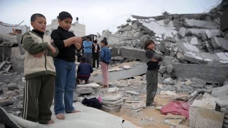 - Alle har mistet noen, forteller Fredrik Græsvik som rapporterer fra Gaza.  (Foto: OLIVIER LABAN-MATTEI/AFP)